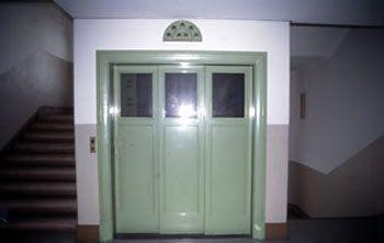 新館エレベーター